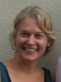 Dr. Julia Henn