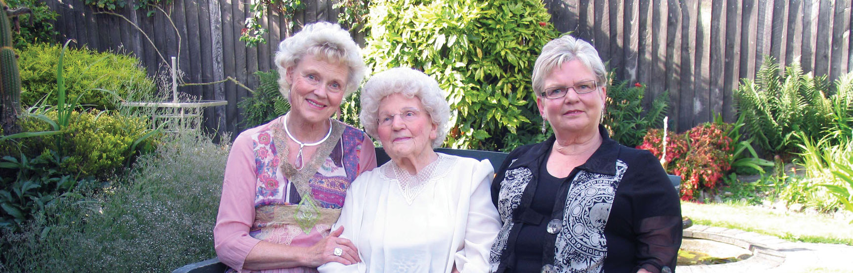 Dr Allison Lamont, Gillian Eadie & Jeanie
